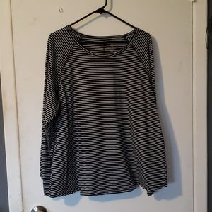 2x  Black and Gray striped long sleeve Tee
